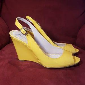 Enzo Angiolini yellow slingback wedge heels